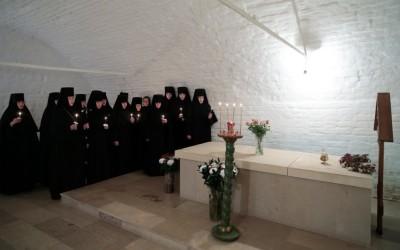 У Бога все живы. Беседа игумении Викторины (Перминовой) с сестрами перед Троицкой Родительской субботой 17 июня 2016 г.