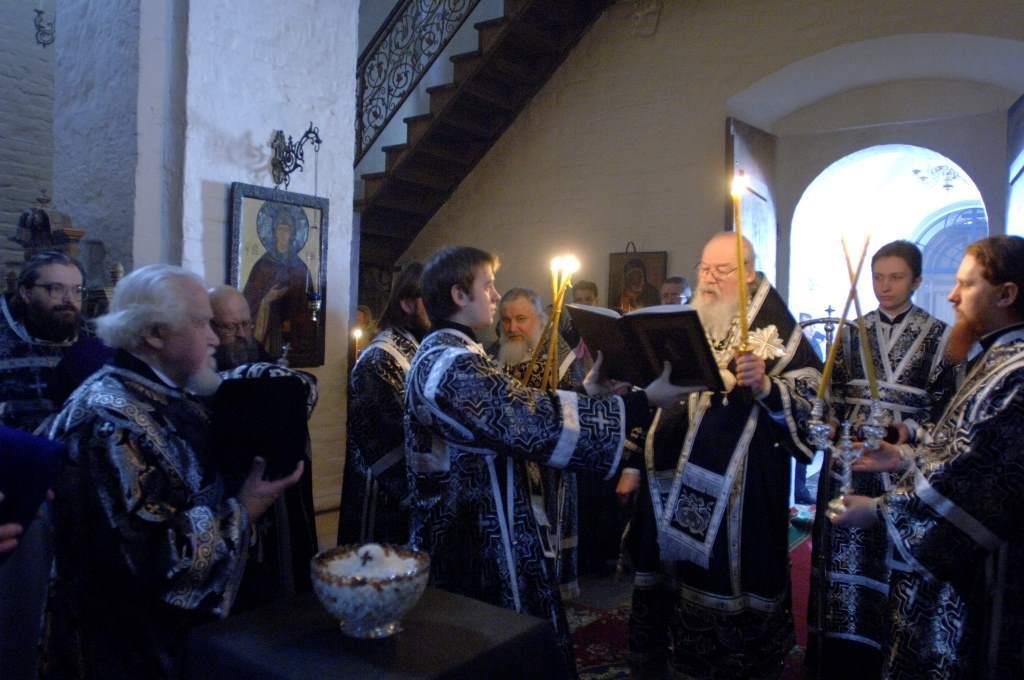 Молебное пение прп. Феодору Тирону и освящение колива