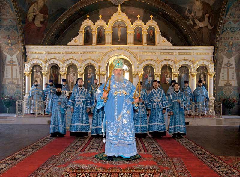Богослужение в день Рождества Пресвятой Богородицы совершает Святейший Патриарх Московский и всея Руси Алексий II. 21 сентября 2007 г.