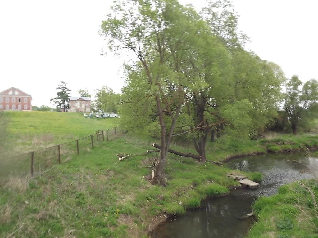 Река Колпяна или Колпянка. Вдали видна усадьба Федоровское