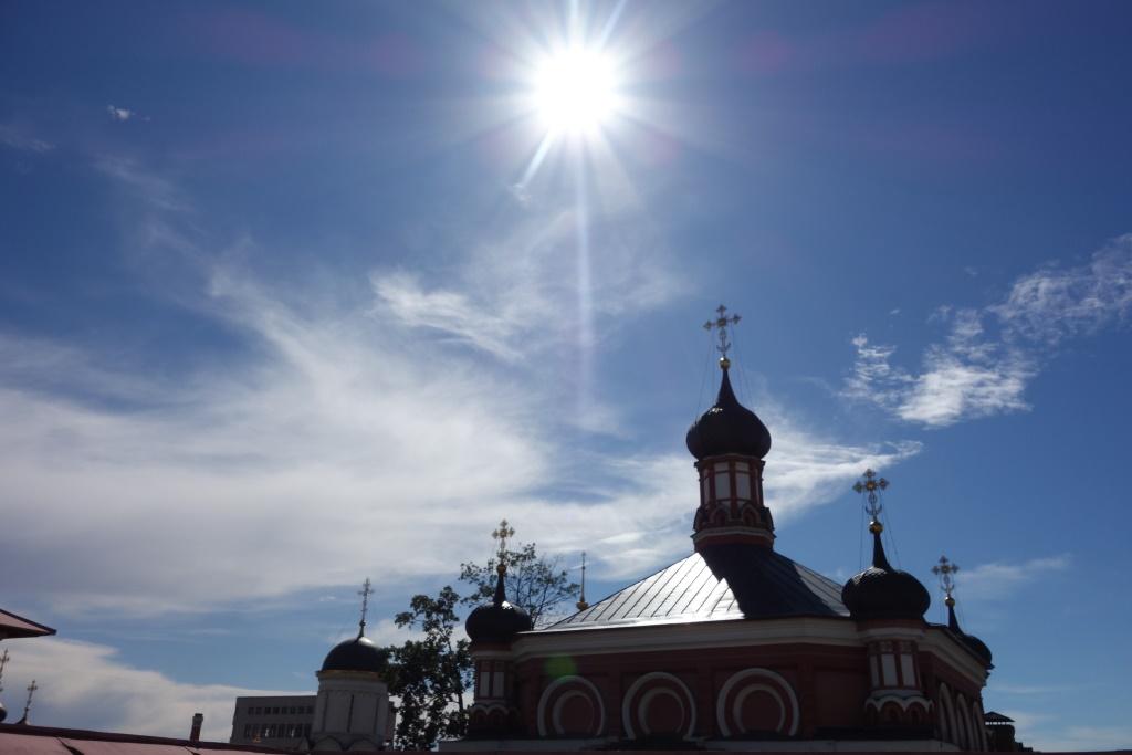 Перед праздником. Солнце над храмом Казанской иконы Божией Матери. 11 июля 2016 г.