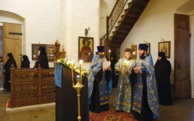 Накануне праздника Благовещения Пресвятой Богородицы в нашей обители отслужено всенощное бдение