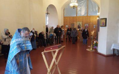 Подворье обители в день Отдания Рождества Пресвятой Богородицы